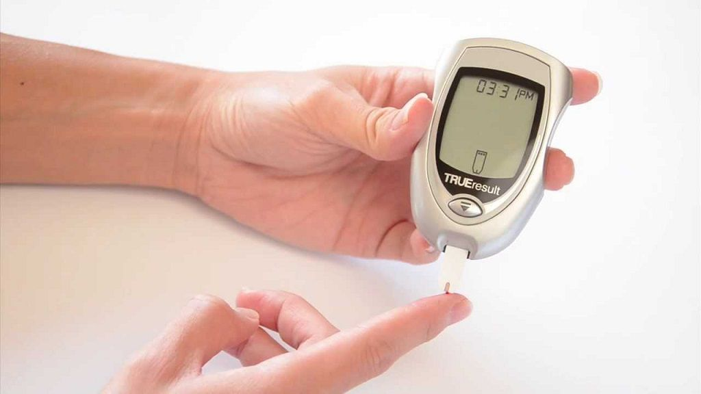 4 Best Glucometers in India to Buy Online - Best Buy Review